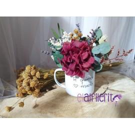 Taza de flores con mensaje